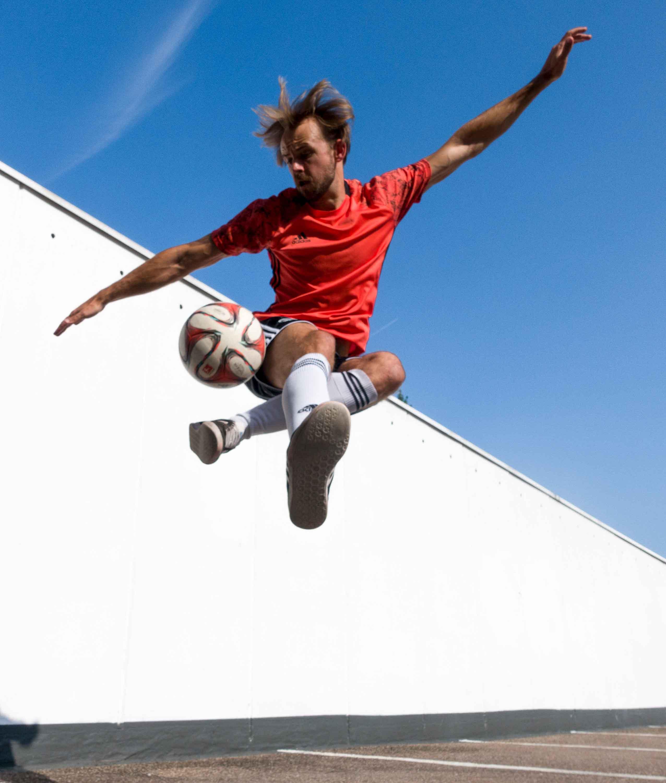 Fußball Freestyler Trick Show